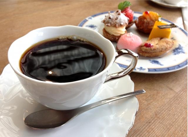 コーヒーとケーキ